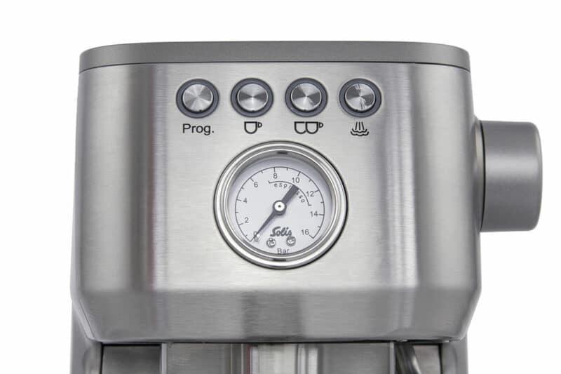 integrated manometer on coffee machine